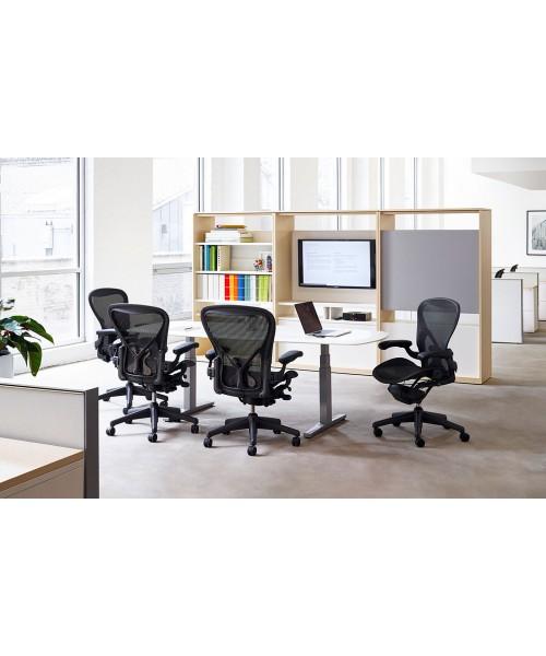 Компьютерное эргономичное кресло Aeron Classic от HERMAN MILLER