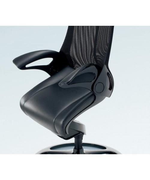 Роботизированное японское кресло Okamura Leopard